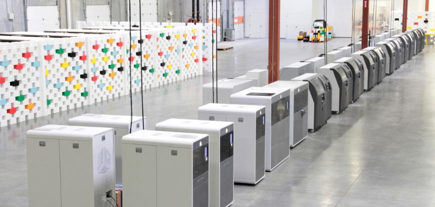 Whiteclouds: mit 30 Vollfarb-3D-Druckern auf Expansionskurs