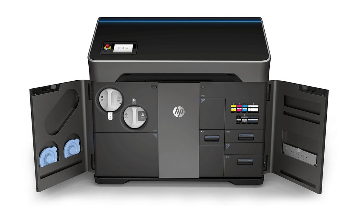 Hewlett Packard präsentiert neue Multicolor-3D-Drucker HP Jet Fusion 300- und 500-Serie