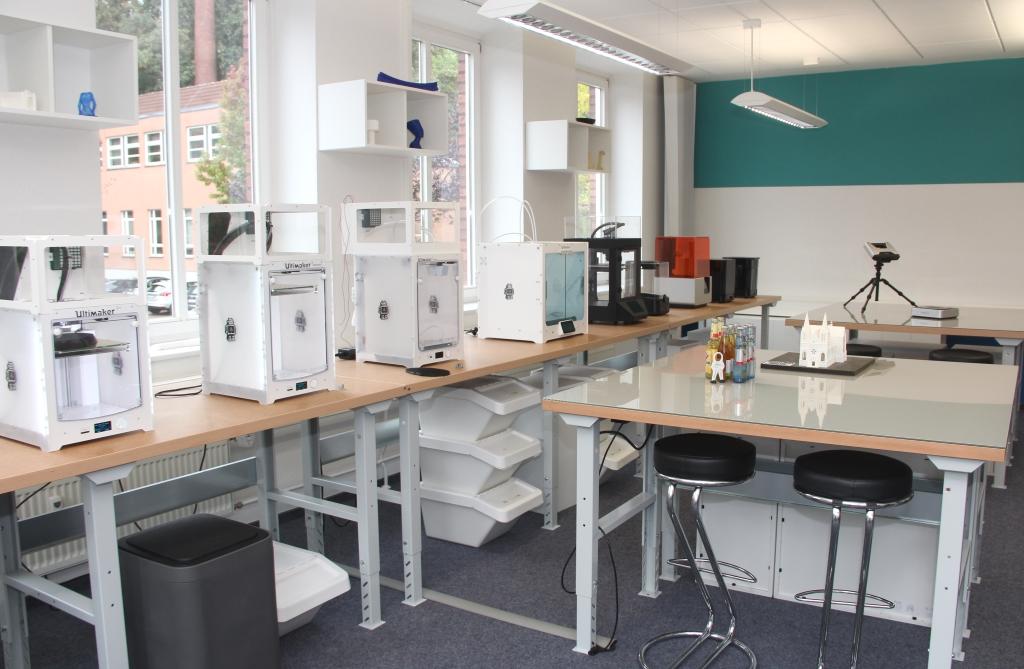 Amerikansicher Handelskonsul besucht 3D-Netzwerk in Solingen