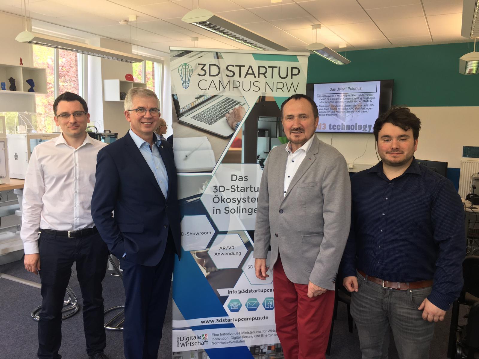 Bundestagsabgeordnete besuchen 3D Startup Campus NRW in Solingen